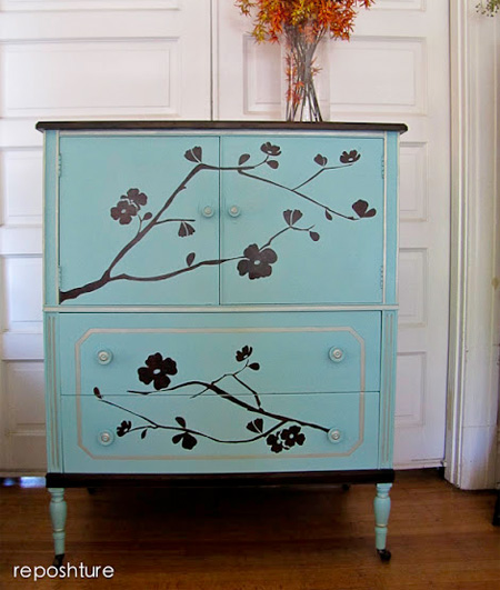 source: http://www.roommatesdecor.com/blog/post/2013/05/08/Cherry-Blossom-Wall-Decals-Stencil.aspx
