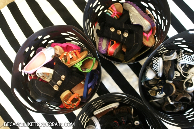 Shoe Organization  //  becauseiliketodecorate.com